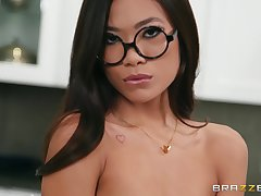 Vina Sky gets her shaved pussy pounded before an memorable facial