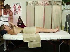 Massage babe deepthroats transmitted to masseur